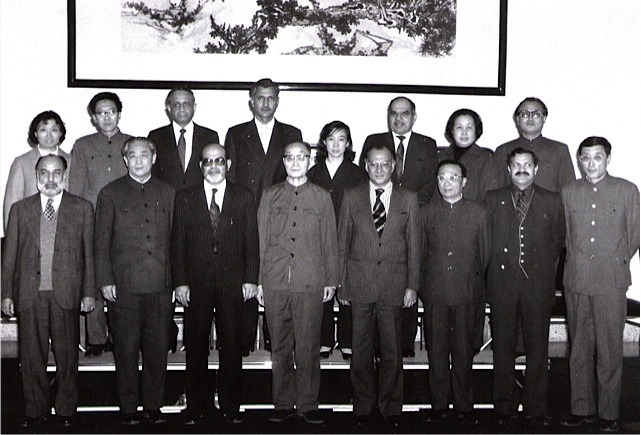 Tariq Mustafa with the Long Marcher Marshall Chang I Peng, Defense minister of China and group, while leading the Pakistan delegation for procurement
