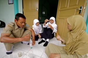 Malaysian students indulge in IBSE